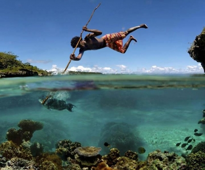 Spear fishing--amazing art